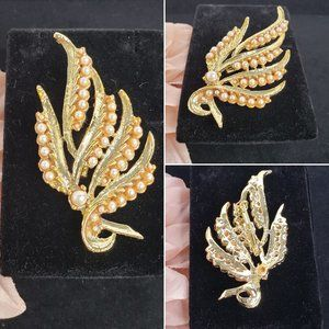 Vintage Small Pearl and Gold Brooch